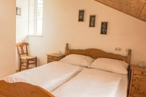 Doppelbett Zimmer 2, Edelweiss
